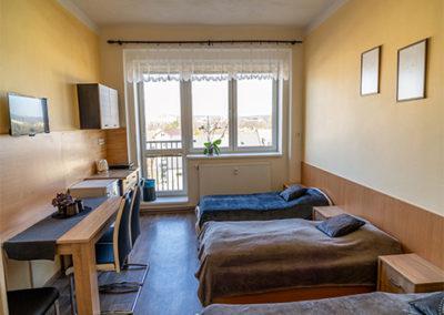 Třílůžkový pokoj ubytovna Topírna