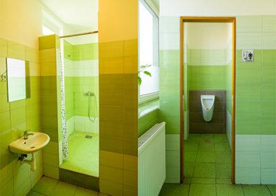 Ubytovna Topírna_WC a sprchy